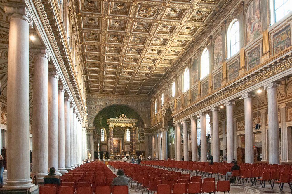 Интерьер базилики Санта-Мария-Маджоре