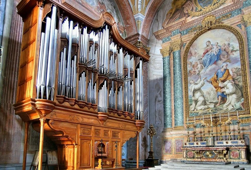 Орган в базилике Santa Maria degli Angeli e dei Martiri