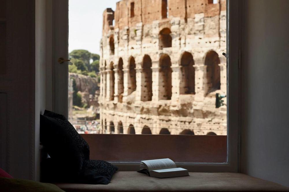 Residence Maximus - вид из окна