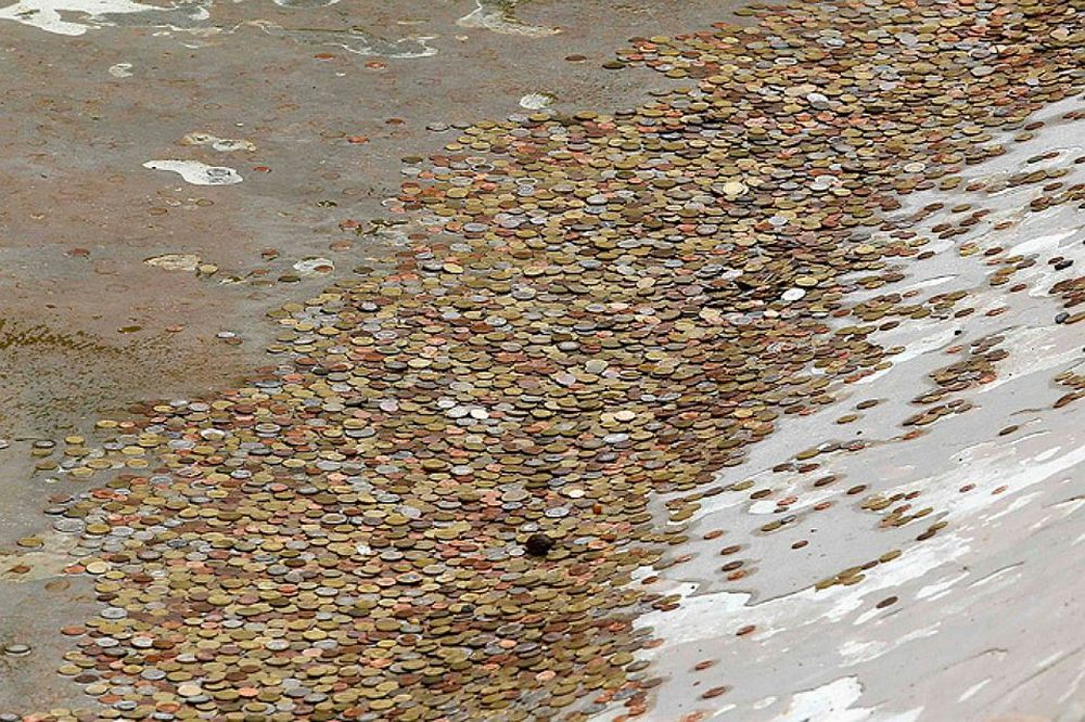 Монетки из фонтана