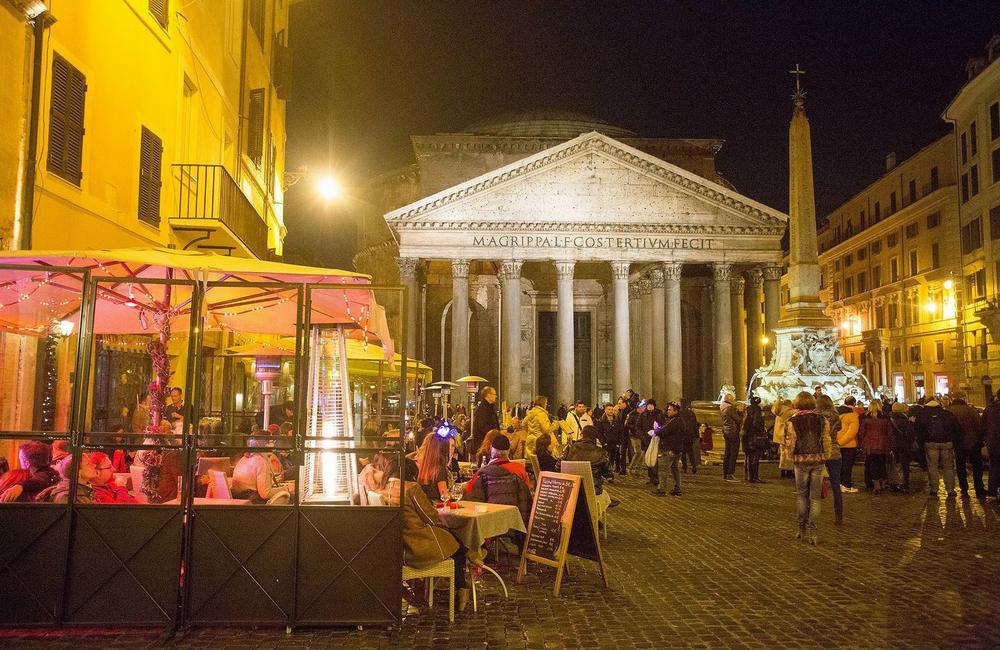 Новогодние гуляния в Риме