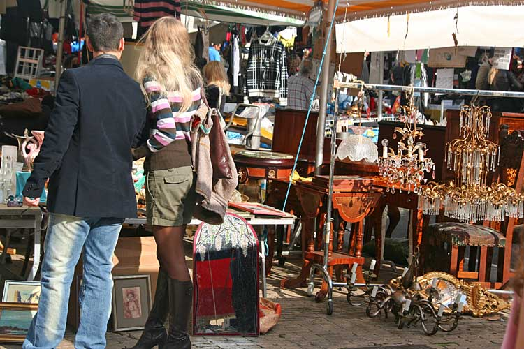 Блошиный рынок Порта Портезе