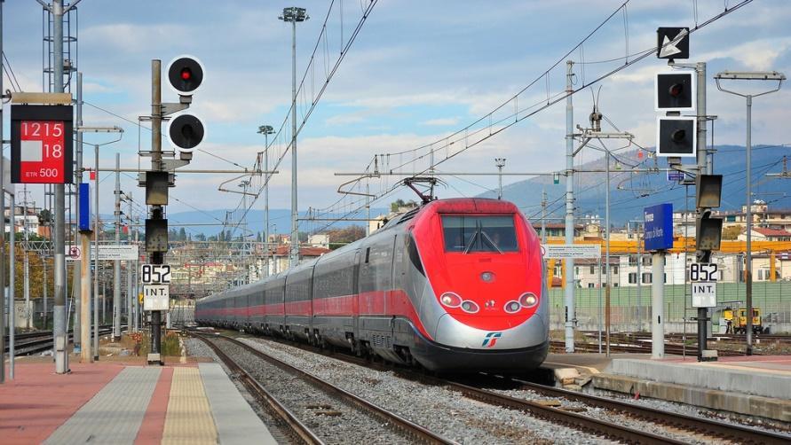 Скоростные поезда FrecciaRossa