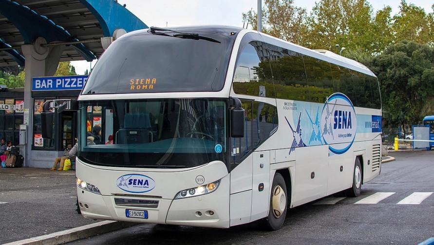 Автобус компании SENA