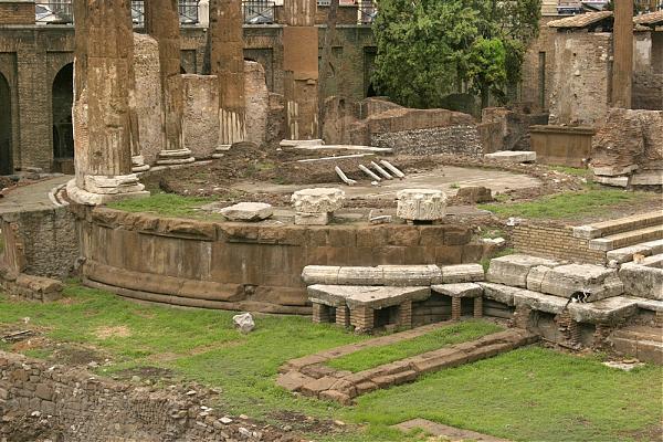 Руины театра Помпея