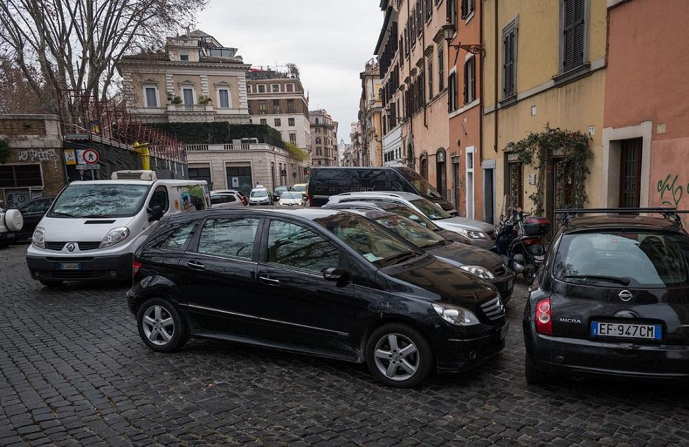 Проблемы с парковкой в Риме