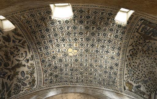 Мозаичный декор свода